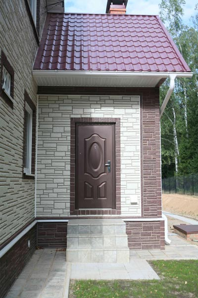 Отделка фасада цокольным сайдингом фото 3