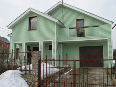 зеленый сайдинг фото домов