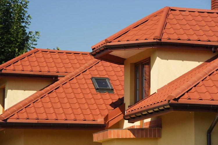 Крыша покрытая металлочерепицой